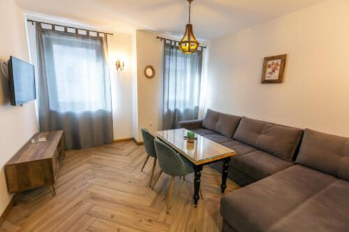 Apartment 14 (4-6 Persons)