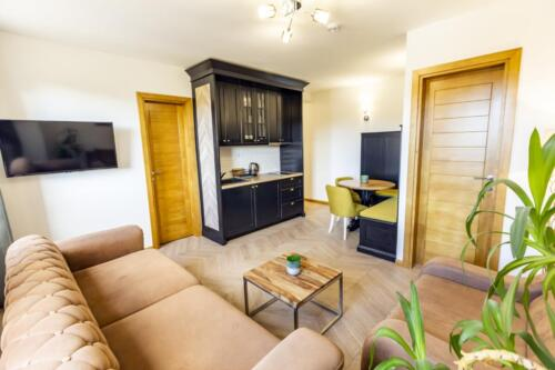 Apartment 12 (4-6 Persons)