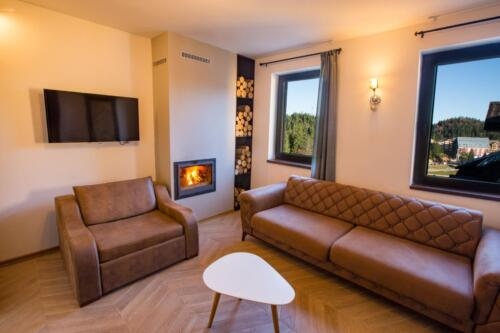 Apartment 22 (3-6 Persons)