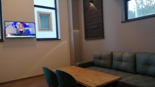 Apartment 02 (5-8 Persons)