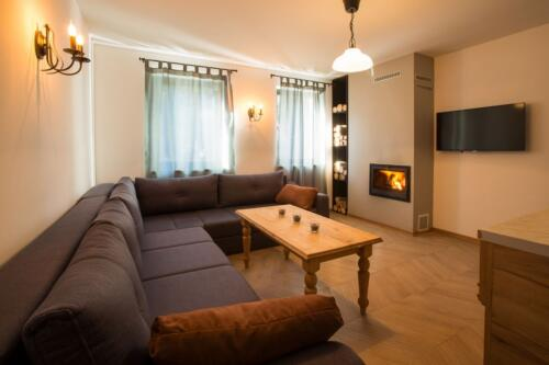 Apartment 21 (2-4 Persons)