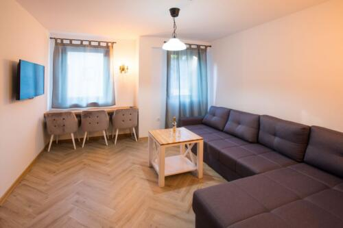 Apartment 24 (4-6 Persons)