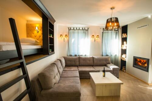 Apartment 31 (3-5 Persons)